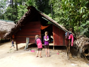 13.6-Orang-Asli-Hütte