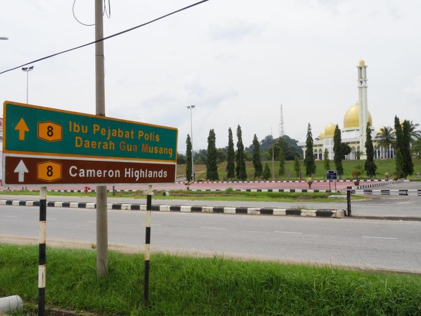1.9-Strassenschild-mit-Moschee