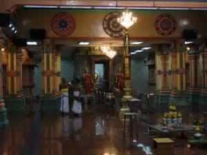 5.3_Hinduistischer-Tempel_Innen