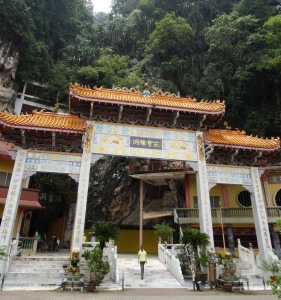 6.2-Sam-Poh-Tong-Cave-Temple2