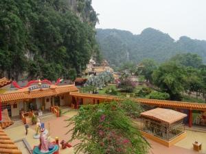 6.8-Ling-Sen-Tong-Tempel-Blick
